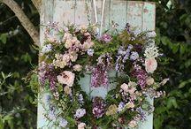 Floral Wedding Archways | Rustic & Woodland / Add a floral touch to your outdoor woodland wedding with a fabulous floral archway.