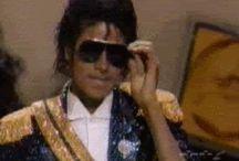 Michael Jackson gifs, interviews, items newspaper, divers ..❤
