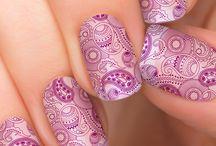 Paisley Nails Design