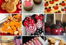 Mickey Mouse Birthday Party Ideas / Fun Mickey Mouse birthday party ideas, including Mickey Mouse birthday cakes, cupcakes, Mickey Mouse themed treats, Mickey Mouse printables, decorations, party favors, and party activities.
