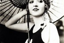 The Roaring 20's; Fashion and lifestyle