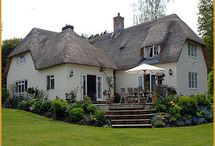 Thatched roofs / by Maxine Hall