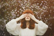 Florence and The Machine (gestures)