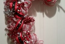 "Handmade Deco Mesh Wreaths (Everyday or Holidays) / Santa Baby Themed Deco Mesh Wreath.  Great Christmas decoration for any door! Measures about 31""in length."