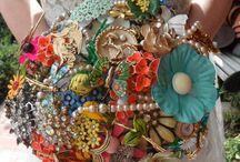 Flower/brooch bouquet / Wedding