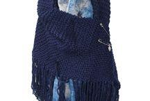 Poncho's en omslagdoeken / Gebreide poncho's en omslagdoeken voor de herfst of winter. Vast te maken met een trendy speld.