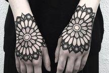 Tattoo main