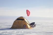 Expedición Winpowered Acciona Antártida 90ºS 2011-2012 / Durante el invierno de 2011 al 2012 un equipo de 4 españoles capitaneados por el explorador polar Ramón Larramendi consiguieron llegar al Polo Sur a bordo del Catamarán Polar. Un vehículo 100% ecoeficiente impulsado por la fuerza del viento.  http://www.tierraspolares.es/19/expedici-oacuten-acciona-ant-aacutertida-2011-2012/