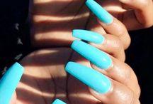 albastru c