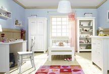 Pinio - Barcelona / Ponuka nábytku Barcelona od výrobcu PINIO Vašim deťom urobí radosť. Pekný výber farieb bielej či krémovej sa hodí do každej detskej izby.