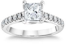 Engagement rings / by Kristin Nancy