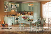 Borgo / Borgo в переводе с итальянского означает поселок или городок — именно с этими словами ассоциируется утонченный кухонный гарнитур, выполненный в элегантном стиле традиционного загородного дома.
