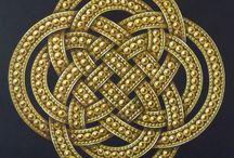 Entrelacs, noeuds infinis / Peintures d'entrelacs celtiques or et argent, de noeuds infinis