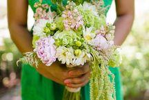 Flower arrangements / by Camilla Kistner