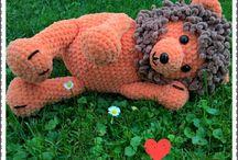 handmade by iv / amigurumi lion