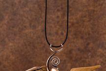 gioielli con legno