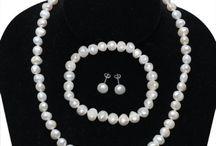 Jewelry - Necklaces & Pendants