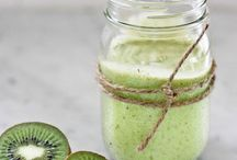 Juicing, smoothies, agua & drinks  / by Jennifer Bowerman
