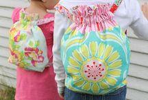 mochilas y bolsos nenas