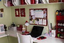 Ideias para home office / Ideias de home office para integrar à sala de jantar da casa (sim o espaço é pouco hihi)