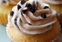 GOOD EATS= yummo...! / by Christie Branton