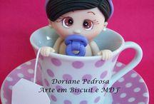 Decoração para chá de bebê (Topo para bolo) / Olá mamãe!! Que tal essas lindas peças para decorar sua festa para chá de bebê? http://www.elo7.com.br/ateliedoriartes/loja