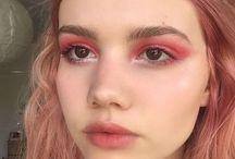 Maquiagens Estranhas ♡