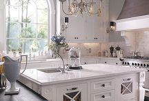 Kitchens / by Linda Lowe