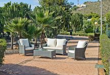 Terraza y jardín / Mobiliario de terraza y jardín, tumbonas, taburetes, camas, hamacas...