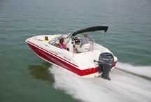 Hurricane Sundeck Outboard Models / When you're looking for a family boat - look no further than HURRICANE! Our boats play hard and perform well, trip after trip, year after year, no matter what adventure you have in mind. Hurricane's SunDeck, SunDeck Sport and FunDeck lines have you covered! #hurricaneboats #NGG #Nautic Global Group #nauticglobalgroup #Ilovemyboat