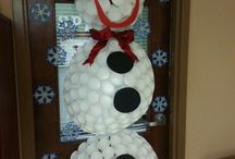 Snowman with Styrofoam Balls / Learn how to make a Styro Snowman via Styro balls and crafts.