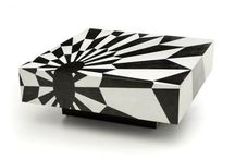 Game On (part 2) / Bold black and white geometric shapes are not only flooding the fashion runways this fall but also home decor and furniture. Game on! h-a-l-e.com