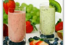 Food {Juicing & Smoothies} / Beverages that are some what healthy.   / by Bren