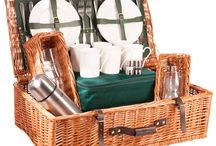 The Chiltern Picnic Hamper - Perfect for those impromptu family picnics / The Chiltern is a picnic hamper for those who like to be a little more remote when they dine. It is light enough to carry comfortably and the practicality of toughened glass tumblers make this the ideal hamper for those who like their picnic adventurous.  Available in British Racing Green in a 2, 4, or 6 place setting.  Buy online at www.amberleyhampers.com