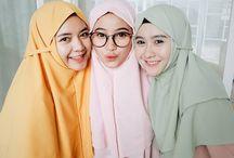 Hijab friend goals