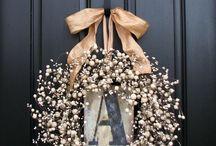 WREATHS / Wreaths, Flower Arrangements