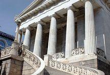 Mi país ❤ / Nací en el año 495 a.C. .Colona, que está cerca de Atenas, en Grecia.