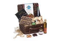 Corporate Hamper / The perfect chance to surprise your clients or loyal customers with our treasure trove of personalised corporate hampers to savour for every occasion., paving the way for a long-term successful business partnership. http://simplyhamper.com/corporate/