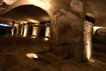 Le Catacombe di Napoli / Le Catacombe di Napoli - The Catacombs of Naples