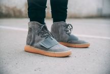adidas Yeezy Boost 750 / We would like to introduce you to the Yeezy Boost 750, the new sneaker model from Kanye West. We were taken aback by the glowing sole and the premium leather upper! ‪#‎yeezy750footshop‬