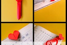 Origami Bookmarks at low rate. / At Dilkash.pk we sale many origami and other products at very low rates, we also make many other handmade products for decoration with different and unique style.
