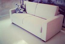 IMIA (Πτυσσόμενος Καναπές-Κρεβάτι) / Τριθέσιος καναπές που μετατρέπεται με μια απλούστατη κίνηση σε ένα πολύ αναπαυτικό κρεβάτι.Οι διαστάσεις του διαμορφώνονται ως εξής : 2,00 X 0,95 X 0,90. Ό σκελετός είναι μεταλλικός,με ατσάλινο υπόστρωμα,ηλεκτροστατική βαφή φούρνου για το πλέγμα και στρώμα αφρώδες ελαστικό