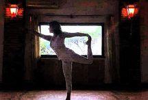 Spanda Yoga / Un Viaggio nell'Esperienza Tantrica Spanda Yoga è danzare la vita, imparando ad aprire il cuore e quietare la mente. E' il risveglio del vibrante flusso dell'esistenza che permette di espandere l'esperienza del corpo e dell'anima
