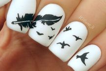 Feather nail art..