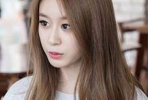 I Love T-ARA ⚠ / T-ARA:  Active: 2009-//// Debut date: 29.07.2009  Members: Eunjung - 12.12.1988 (29) Hyomin -30.05.1989 (28) Qri - 12.12.1989 (28) Jiyeon - 07.06.1993 (24)  Former members: Boram - 22.03.1986 (31) Jiae - 06.08.1987 (30) Soyeon - 05.0110.1987 (30) Jieon - 05.04.1988 (29) Hwayoung - 22.04.1993 (24) Areum - 19.04.1994 (23)