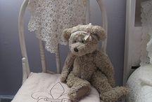 Teddy Bear ( Tente medve ) / Mindenkinek volt alvós macija?