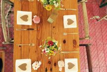 Wedding Table Styling Ideas / Some of our our favourite wedding table settings/ decorations, plus lots of wedding table styling ideas for inspiration...