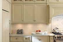 Home Decor {Benjamin Moore Paint Colors} / Most popular Benjamin Moore home decor paint colors trending this year.