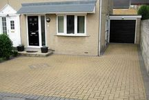 Driveway Designs and Ideas / Thinking of re designing your driveway? See some driveway designs and ideas here to help you choose your perfect driveway layout.
