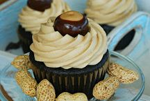PB and Chocolate / Peanut Butter and Chocolate recipes / by Mara Hornby